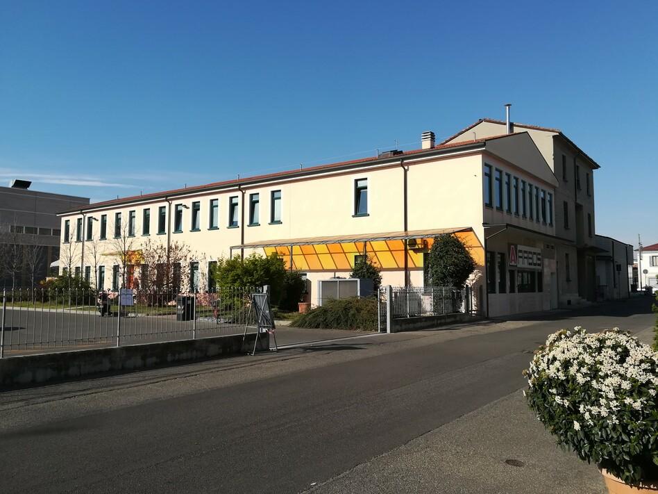 Casa delle Associazioni esterno e parcheggio in via Musso 5 a Piacenza