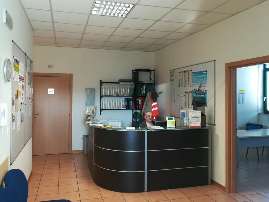 Casa delle Associazioni Front Office con volontario in via Musso 5 a Piacenza
